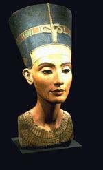 Nefertiti_restored__2_