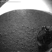 First-Mars-Curiosity-images