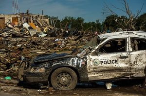 Tornado-damage-115801_640