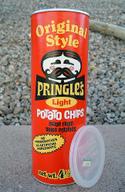 Vintage_pringles_can